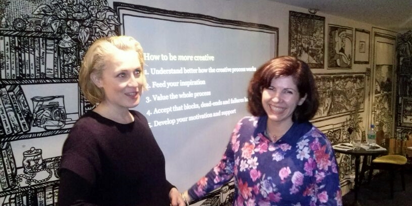 Cristina com Cathy Haynes durante o Workshop: How to be  creative.